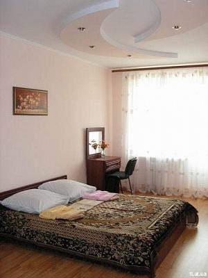 3-комнатная квартира посуточно в Южном. ул. Новобилярская, 28. Фото 1
