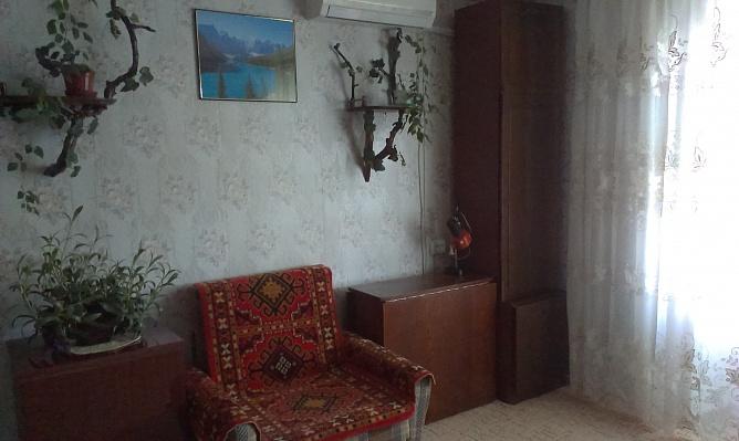 1-комнатная квартира посуточно в Бердянске. ул. Баха, 40. Фото 1