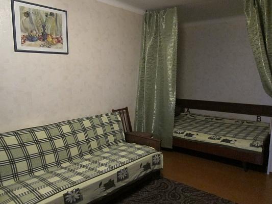 1-комнатная квартира посуточно в Евпатории. ул. Фрунзе, 73. Фото 1