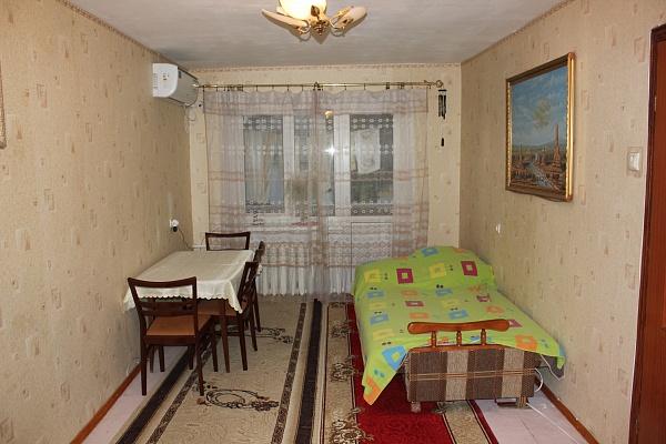 2-комнатная квартира посуточно в Одессе. Приморский район, пер. Клубничный, 27. Фото 1