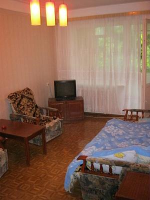 3-комнатная квартира посуточно в Севастополе. Гагаринский район, Октябрьской Револ., 51. Фото 1