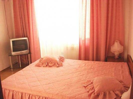 1-комнатная квартира посуточно в Мариуполе. пр-т Нахимова, 166. Фото 1