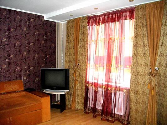 1-комнатная квартира посуточно в Нежине. ул. Горбивская (Свердлова), 2/1. Фото 1