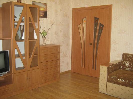 3-комнатная квартира посуточно в Феодосии. ул. Победы, 15. Фото 1