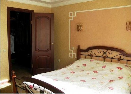2-комнатная квартира посуточно в Харькове. Киевский район, ул. Артема, 37. Фото 1