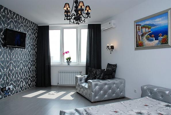 1-комнатная квартира посуточно в Киеве. Дарницкий район, ул. Е. Чавдар, 1. Фото 1