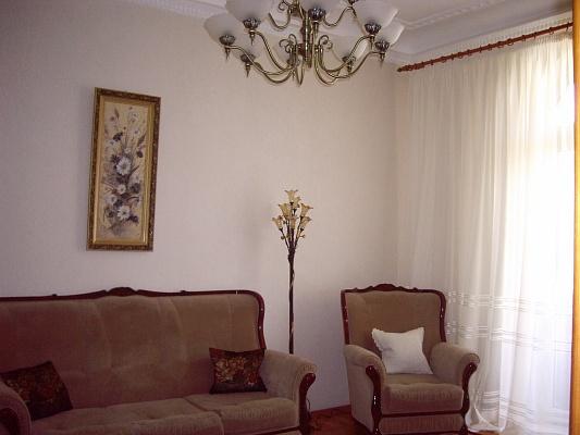 2-комнатная квартира посуточно в Николаеве. Центральный район, ул. Советская, 29. Фото 1