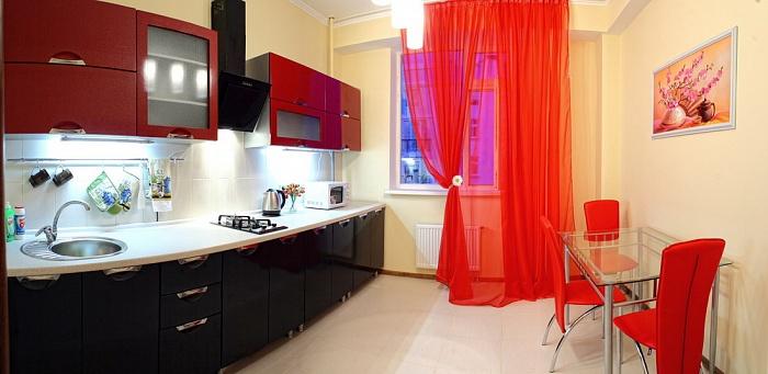 2-комнатная квартира посуточно в Севастополе. Гагаринский район, ул. Павла Дыбенко, 24. Фото 1