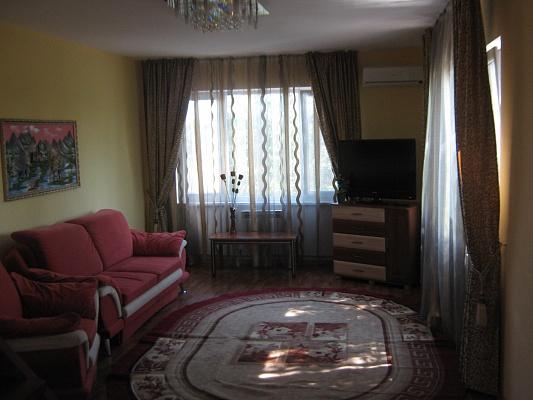 Дом  посуточно в Евпатории. ул. Средняя, 67. Фото 1