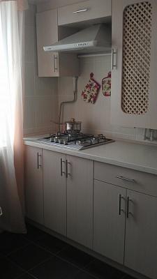 2-комнатная квартира посуточно в Симферополе. Центральный район, пр-т Кирова, 18. Фото 1
