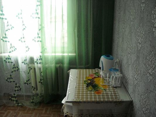 2-комнатная квартира посуточно в Нежине. ул. Независимости, 27. Фото 1