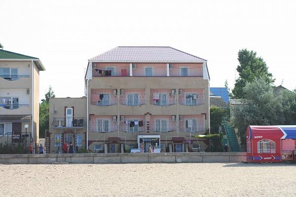 Мини-отель  посуточно в Саках. ул. Морская, 15. Фото 1