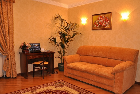 2-комнатная квартира посуточно в Киеве. Святошинский район, ул. Осенняя, 33. Фото 1