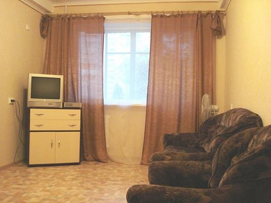 1-комнатная квартира посуточно в Севастополе. Гагаринский район, ул. Глухова, 3. Фото 1