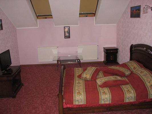 3-комнатная квартира посуточно в Житомире. б-р Старый, 18. Фото 1