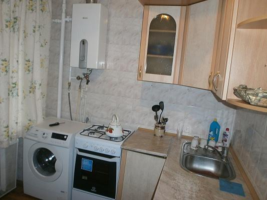 2-комнатная квартира посуточно в Житомире. ул. Киевская, 62. Фото 1