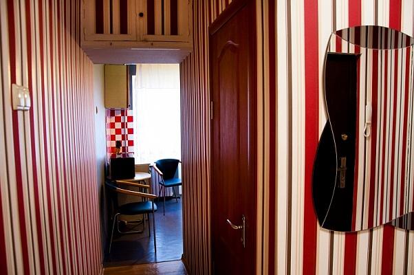 2-комнатная квартира посуточно в Донецке. Ворошиловский район, ул. Набережная. Фото 1