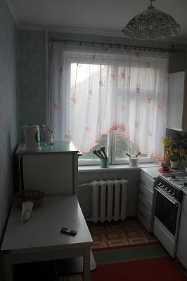 2-комнатная квартира посуточно в Херсоне. Комсомольский район, ул. Рабочая, 201 а. Фото 1