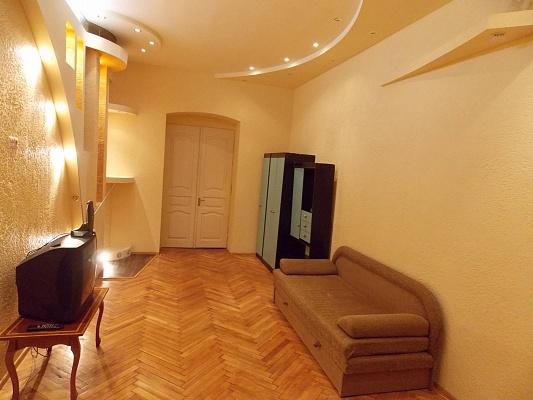 2-комнатная квартира посуточно в Львове. Галицкий район, ул. Шпитальна, 13. Фото 1
