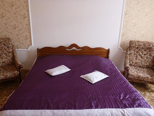 2-комнатная квартира посуточно в Львове. Лычаковский район, ул. Садовского, 6. Фото 1