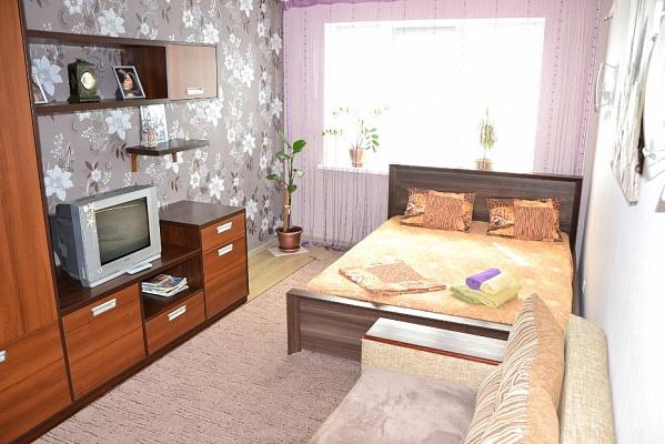 1-комнатная квартира посуточно в Киеве. Оболонский район, ул. Зои Гайдай, 9-А. Фото 1