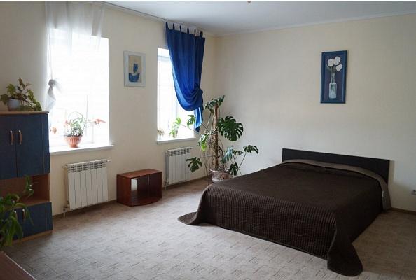 3-комнатная квартира посуточно в Каменце-Подольском. ул. Зарванская, 18. Фото 1
