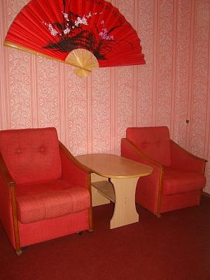 1-комнатная квартира посуточно в Запорожье. Жовтневый район, Грязнова, 5. Фото 1