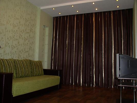 2-комнатная квартира посуточно в Харькове. Киевский район, ул. Артема, 58. Фото 1