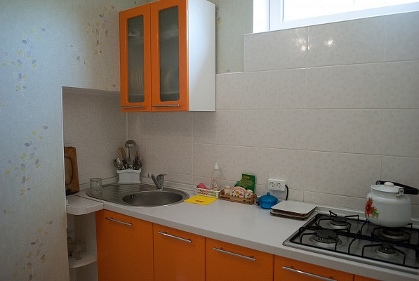 1-комнатная квартира посуточно в Евпатории. пер. Поворотный, 4. Фото 1