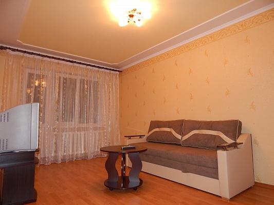 2-комнатная квартира посуточно в Ровно. ул. Киевская, 44. Фото 1