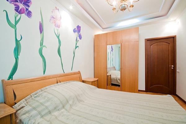 2-комнатная квартира посуточно в Донецке. Ворошиловский район, Университпетская. Фото 1