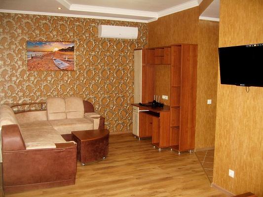 1-комнатная квартира посуточно в Крыжановке. ул. Приморская, 2а. Фото 1