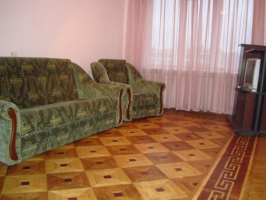 3-комнатная квартира посуточно в Киеве. Голосеевский район, пр. Науки, 6. Фото 1