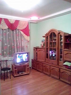 1-комнатная квартира посуточно в Днепропетровске. Красногвардейский район, ул. Свердлова, 56. Фото 1