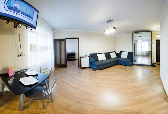 2-комнатная квартира посуточно в Харькове. Дзержинский район, пр-т Ленина, 23. Фото 1