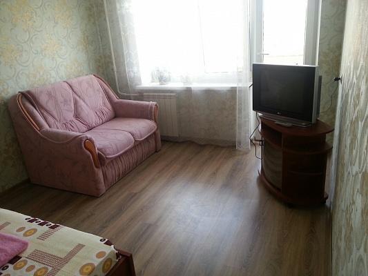 1-комнатная квартира посуточно в Киеве. Оболонский район, пр-т Оболонский, 7-В. Фото 1