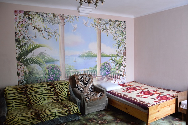2-комнатная квартира посуточно в Евпатории. ул. Эскадронная, 19. Фото 1