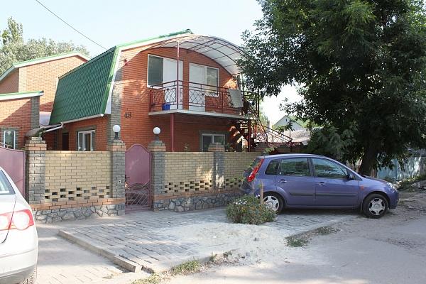 Комната  посуточно в Бердянске. ул. Тищенко, 48. Фото 1