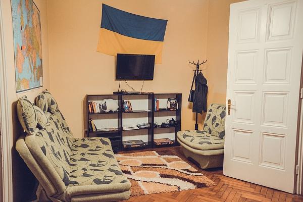 4-комнатная квартира посуточно в Львове. Галицкий район, ул. Сечевих Стрельцов, 12. Фото 1