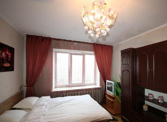 1-комнатная квартира посуточно в Киеве. Оболонский район, пр-т Оболонский, 40. Фото 1