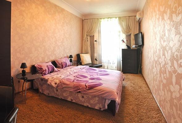 1-комнатная квартира посуточно в Николаеве. Центральный район, ул. Советская, 2. Фото 1