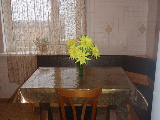 2-комнатная квартира посуточно в Миргороде. ул. Д.Апостола, 6. Фото 1