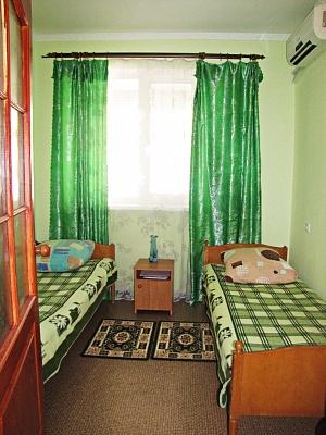 1-комнатная квартира посуточно в Евпатории. коса Южная, 35. Фото 1