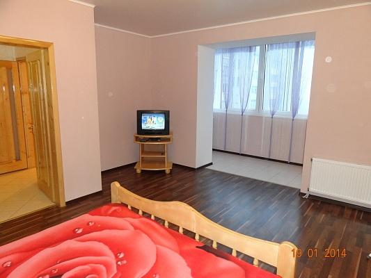 1-комнатная квартира посуточно в Ивано-Франковске. ул. Хоткевича, 44г. Фото 1