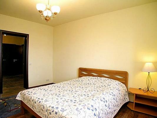 3-комнатная квартира посуточно в Донецке. Ворошиловский район, ул. Щорса. Фото 1