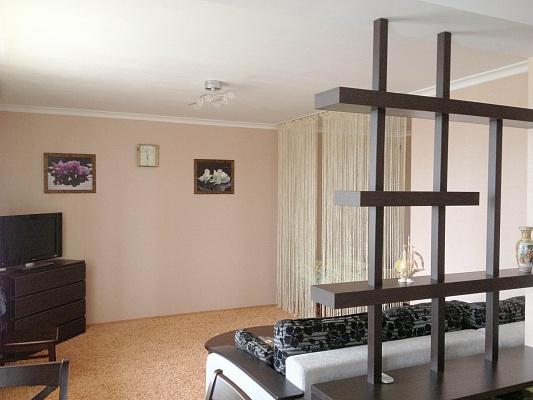 1-комнатная квартира посуточно в Керчи. ул. Карла Маркса, 25. Фото 1
