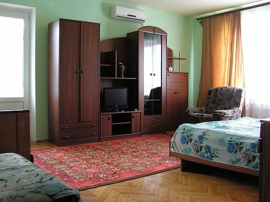 2-комнатная квартира посуточно в Миргороде. ул. Кашинского,  6а. Фото 1