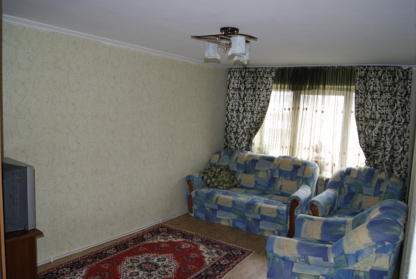 2-комнатная квартира посуточно в Моршине. ул. 50 лет УПА, 4. Фото 1