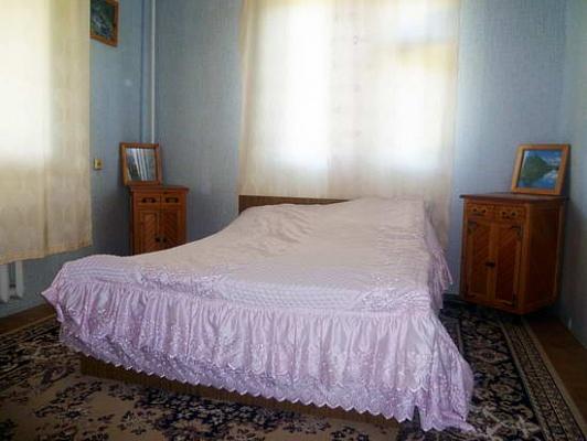 1-комнатная квартира посуточно в Мариуполе. пр-т Строителей, 119а. Фото 1