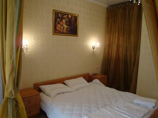 1-комнатная квартира посуточно в Львове. Галицкий район, ул. Ивана Франко, 35. Фото 1